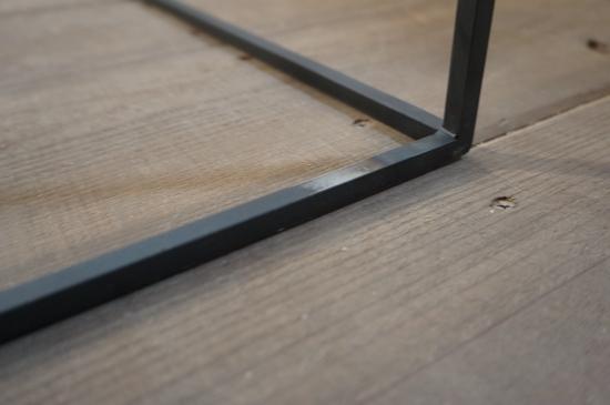 大阪の一枚板工房 SEE−SAWのテーブルレッグの画像1
